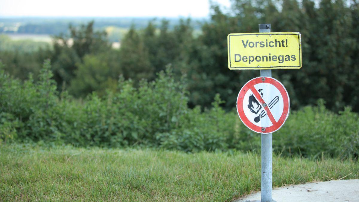 """Warnschild """"Vorsicht Deponiegas"""""""