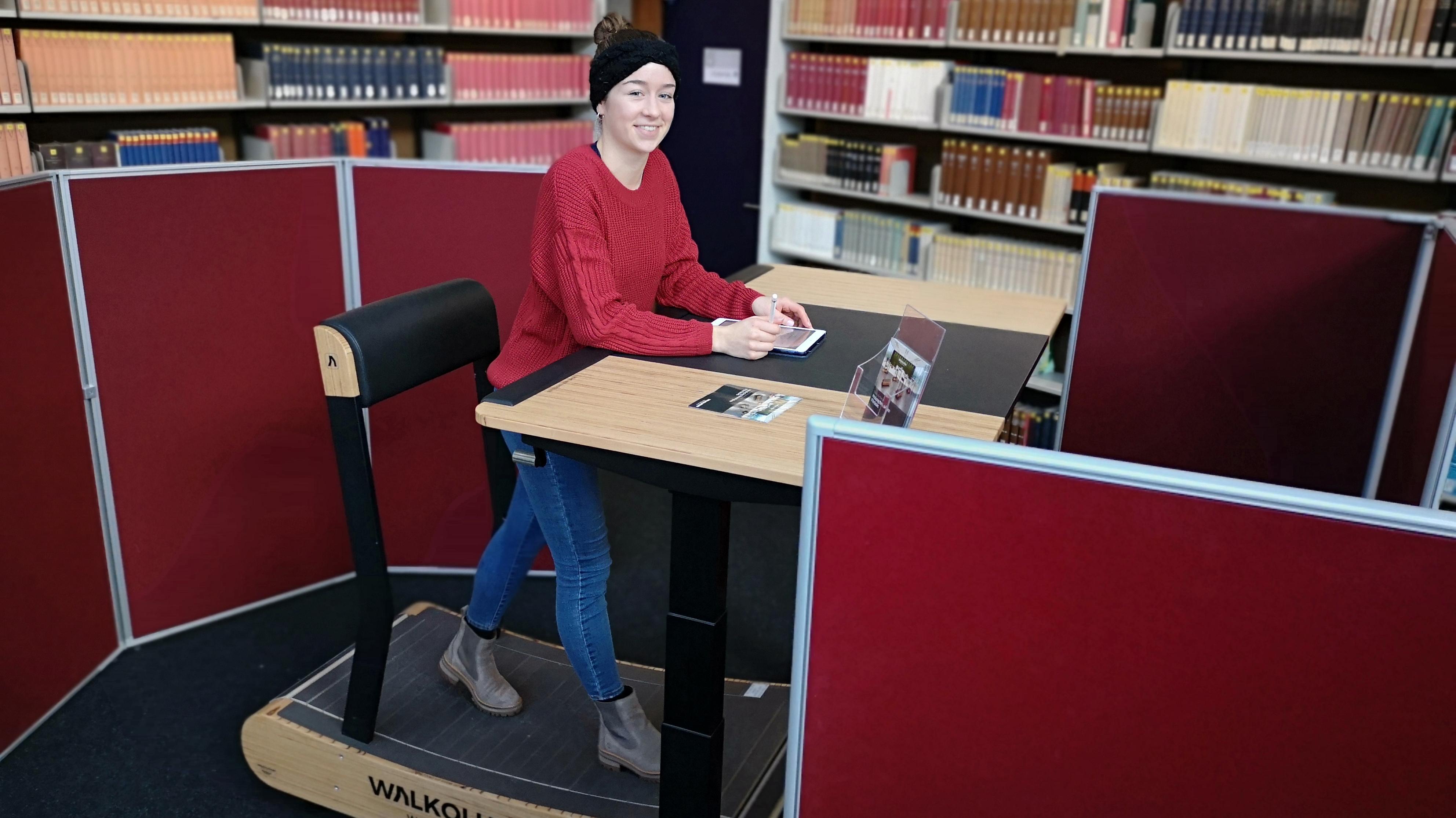 Geh-Arbeitsplatz an der Universität Regensburg