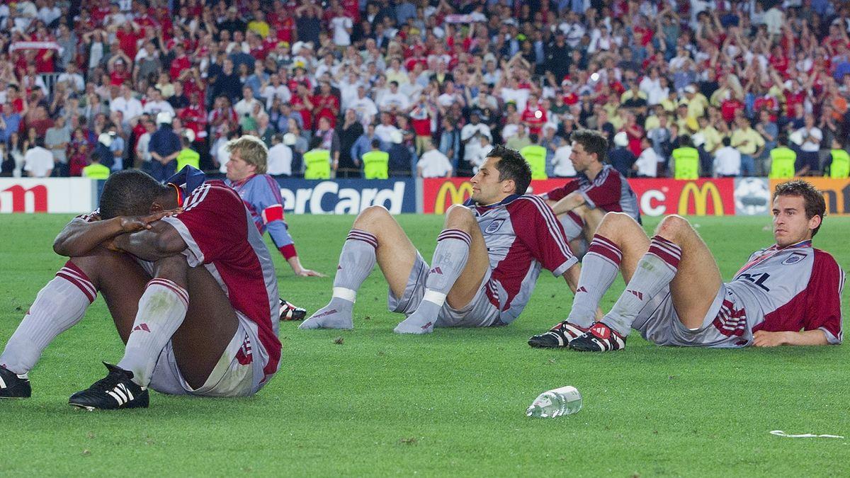 Die völlig enttäuschten Bayern-Spieler nach der Finalniederlage gegen Manchester United