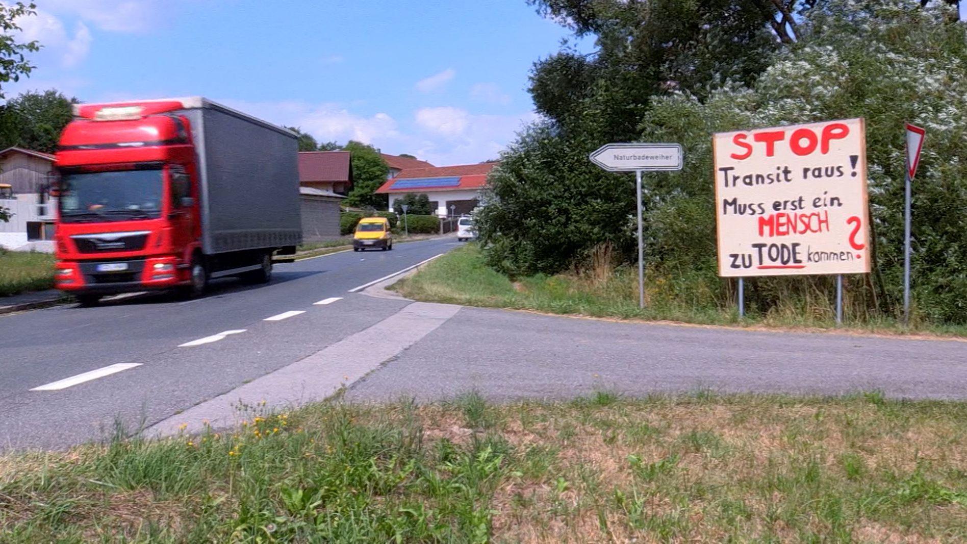 Im bayerisch-tschechischen Grenzgebiet soll heute eine Bürgerinitative gegründet werden. Die Bürger sind genertvt vom Lkw-Verkehr.
