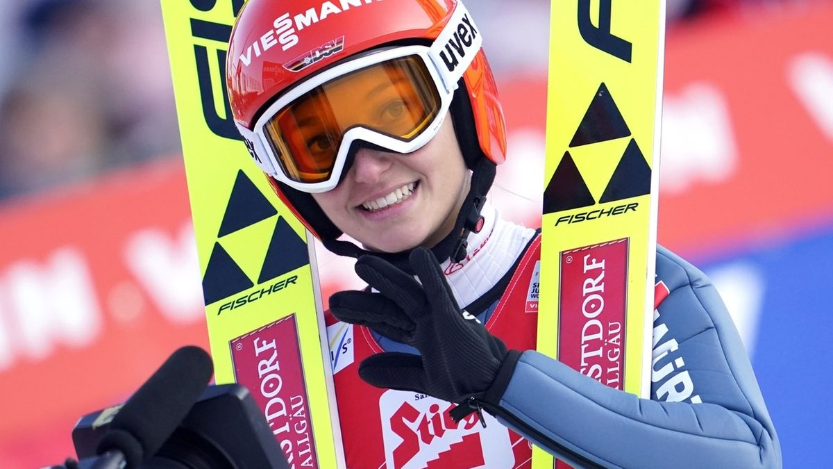 Skispringerin Katharina Althaus