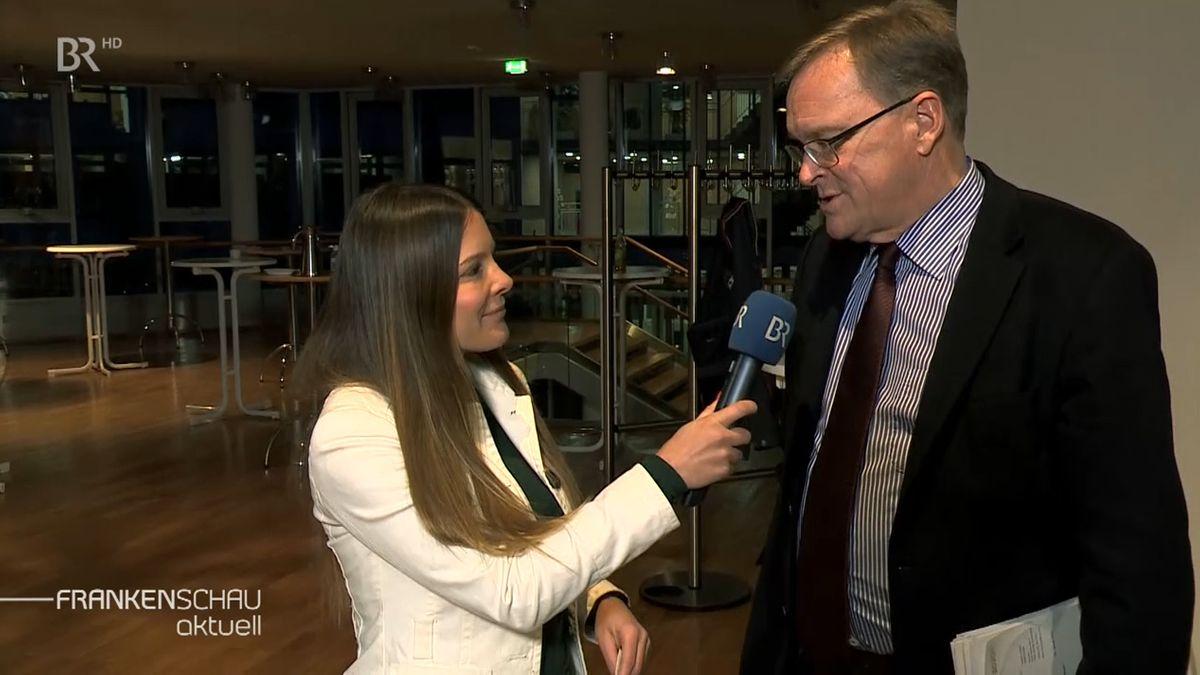 BR-Korrespondentin Sandra Jozipovic interviewt Bambergs Oberbürgermeister Andreas Stark und Landrat Johann Kalb.