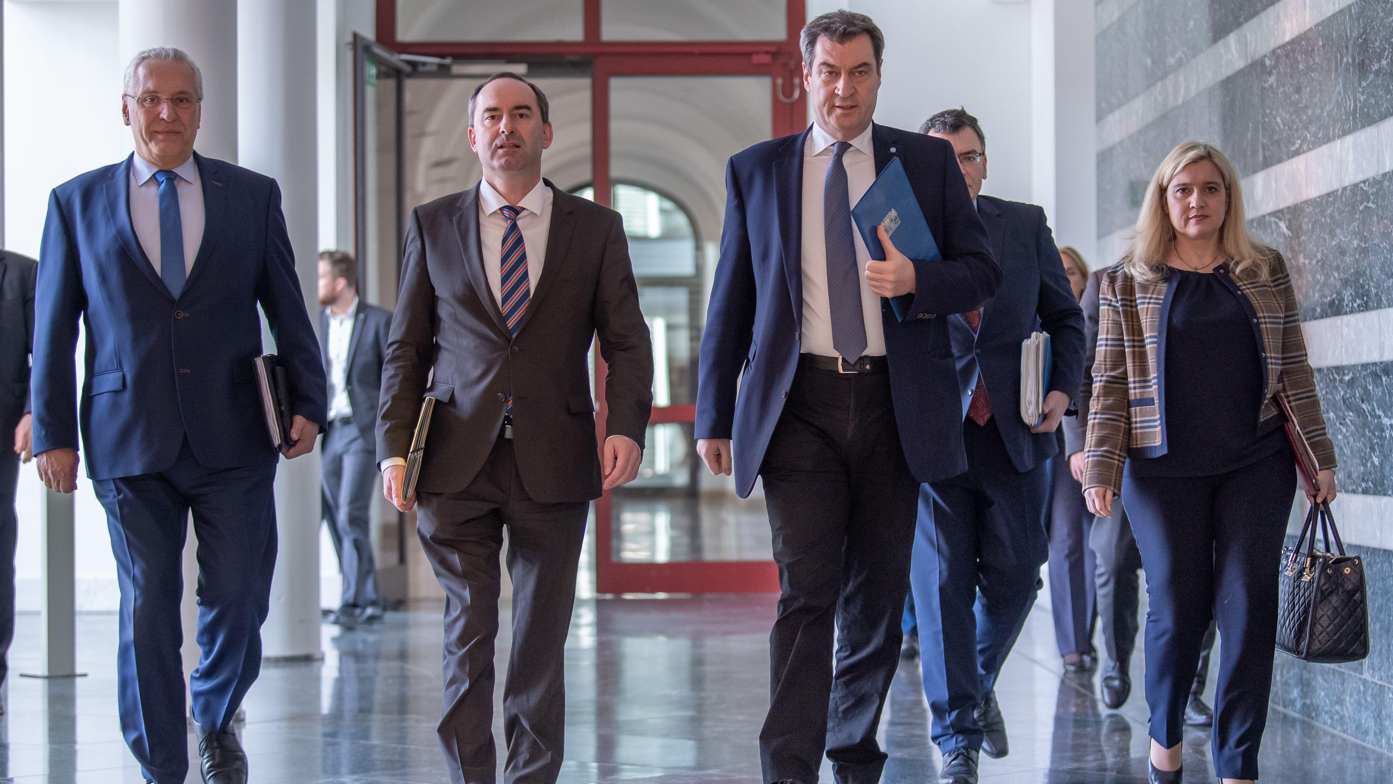 Ministerpräsident Söder und die Minister Herrmann, Aiwanger und Huml