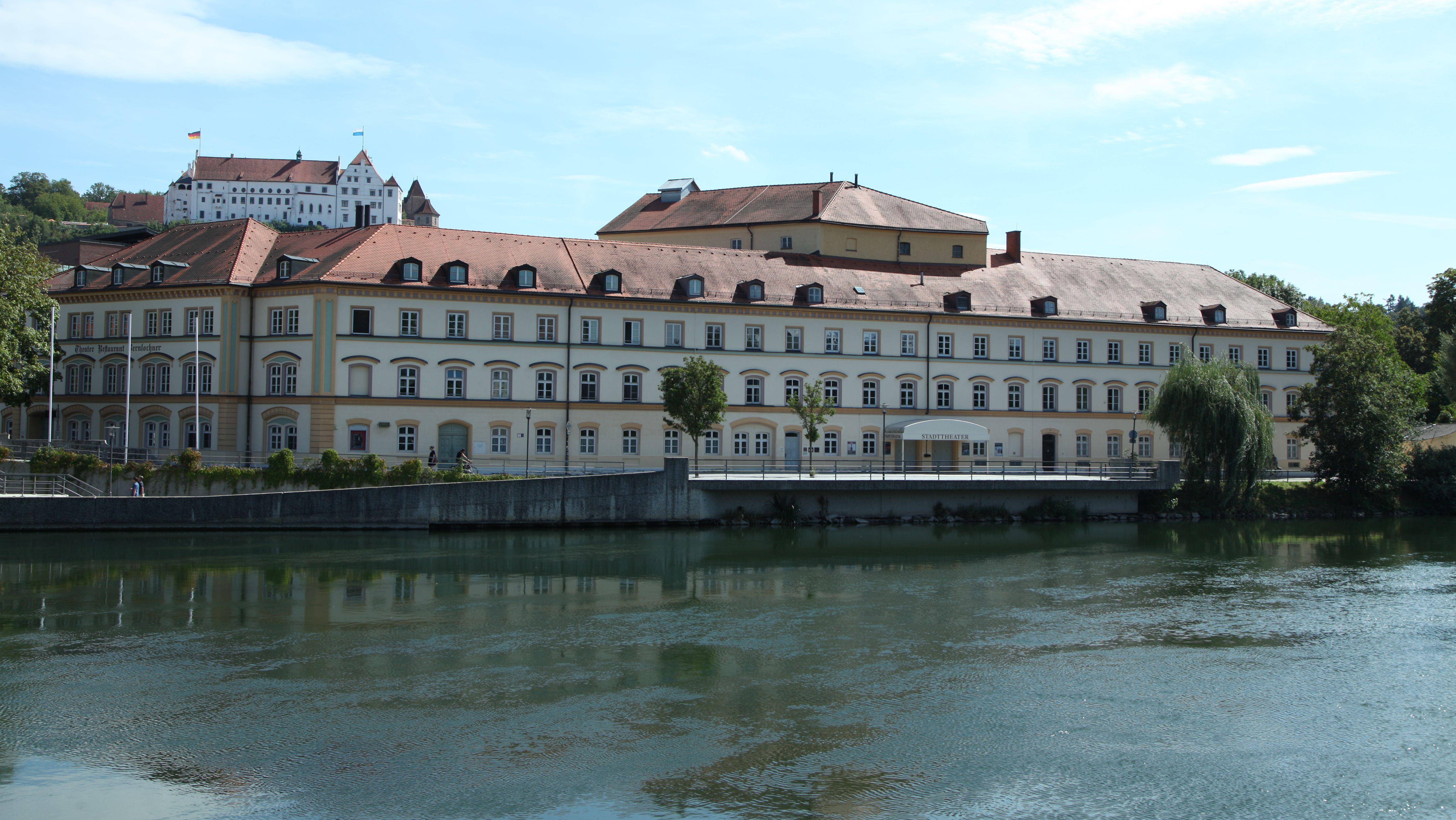 Das sanierungsbedürftige Stadttheater Landshut an der Isar