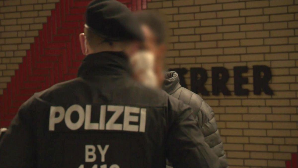 Polizeikontrolle in der U-Bahn