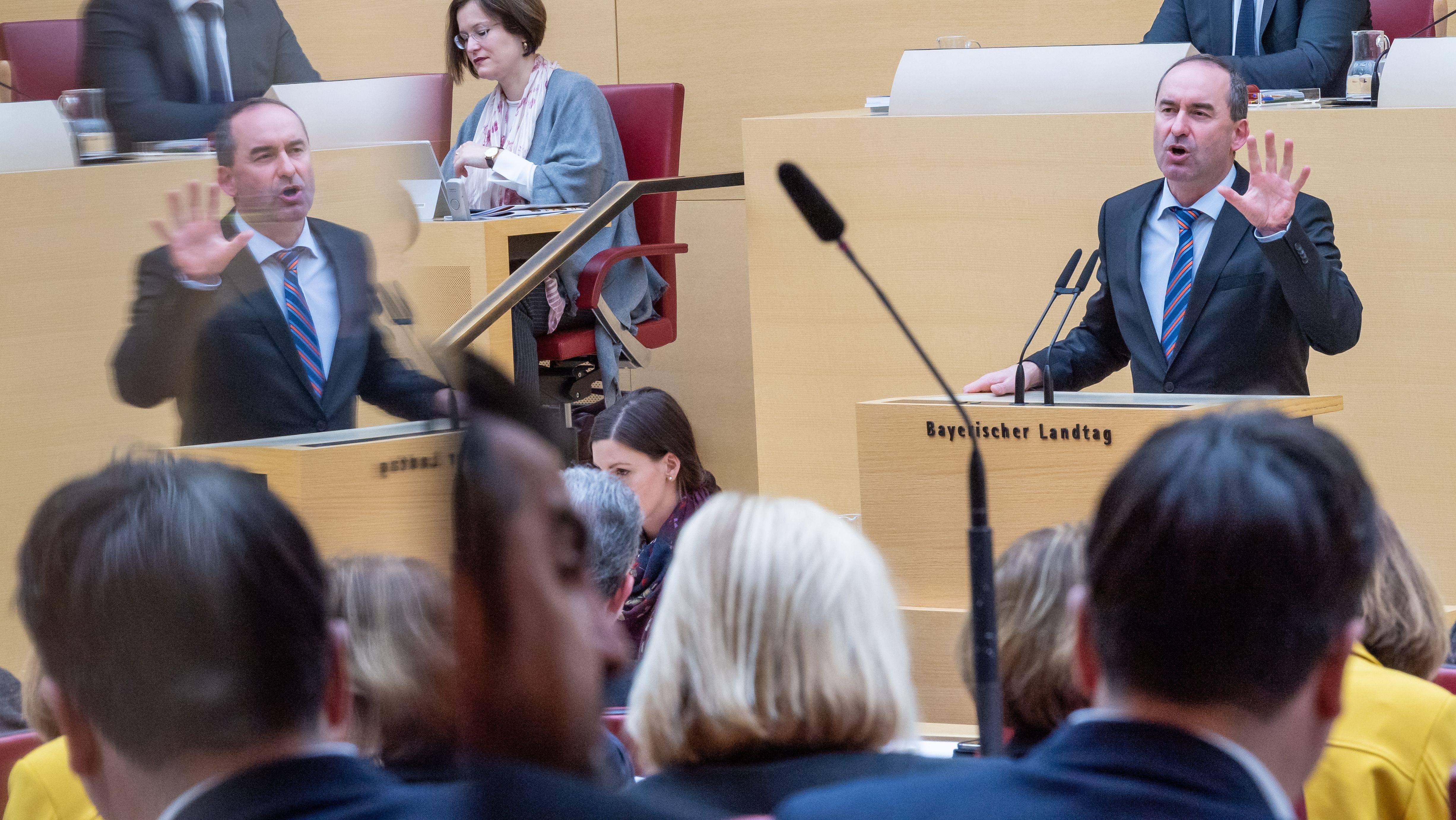 Aiwanger bei seiner Regierungserklärung im Landtag