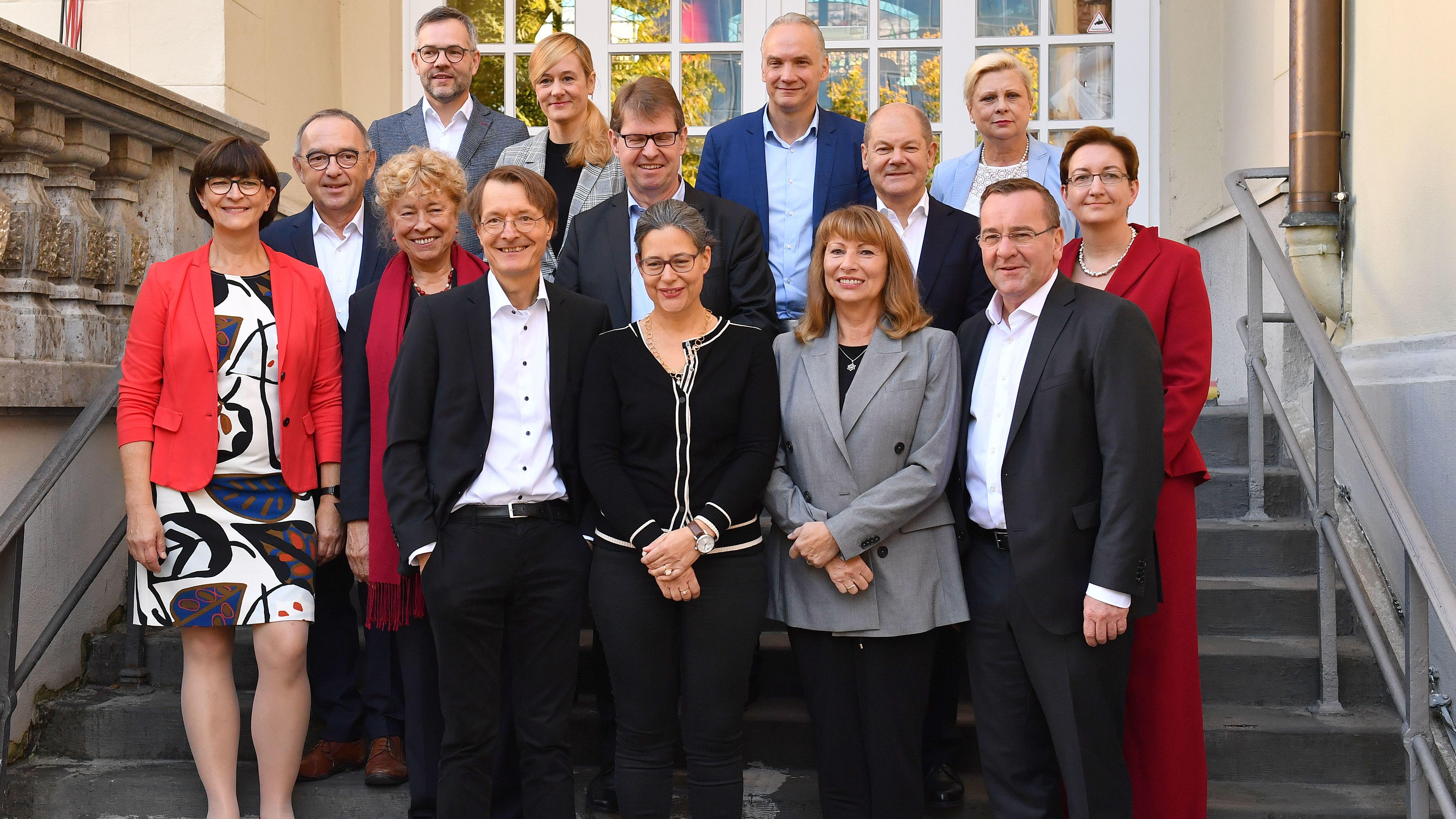 Da waren es noch 14: Die Kandidaten um den SPD-Parteivorsitz am Samstag in München - vor dem Rückzug von Hilde Mattheis und Dierk Hirschel.