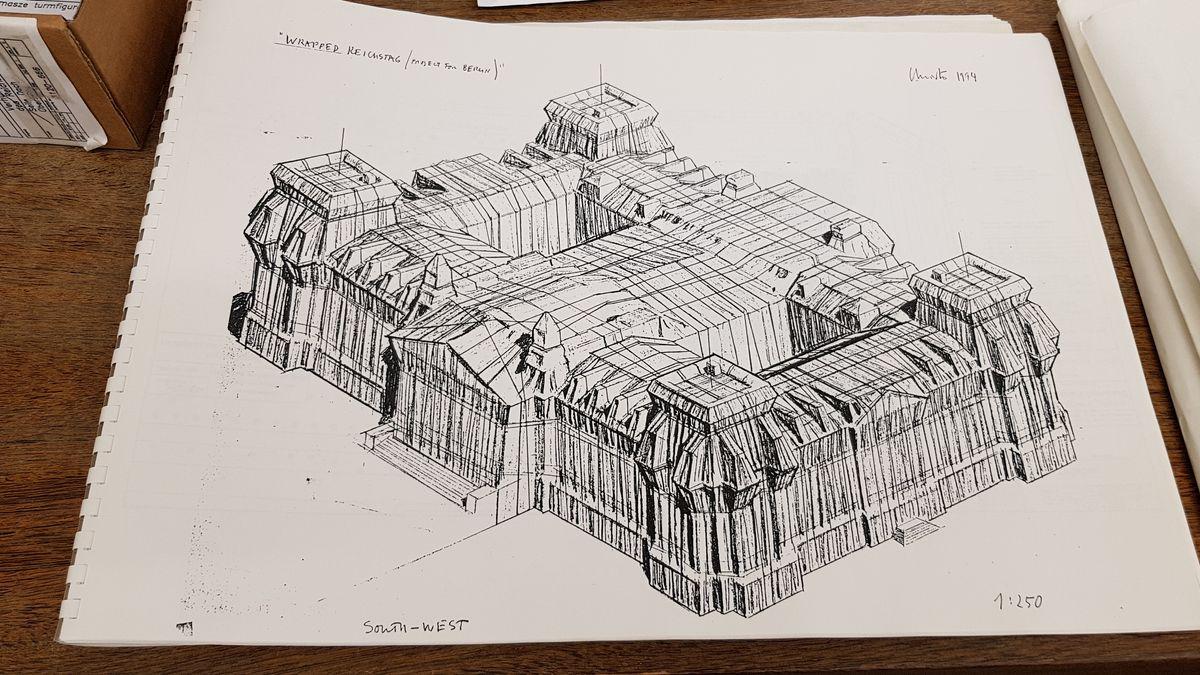 Skizze zu Christos Reichstagsverhüllung im Germanischen Nationalmuseum