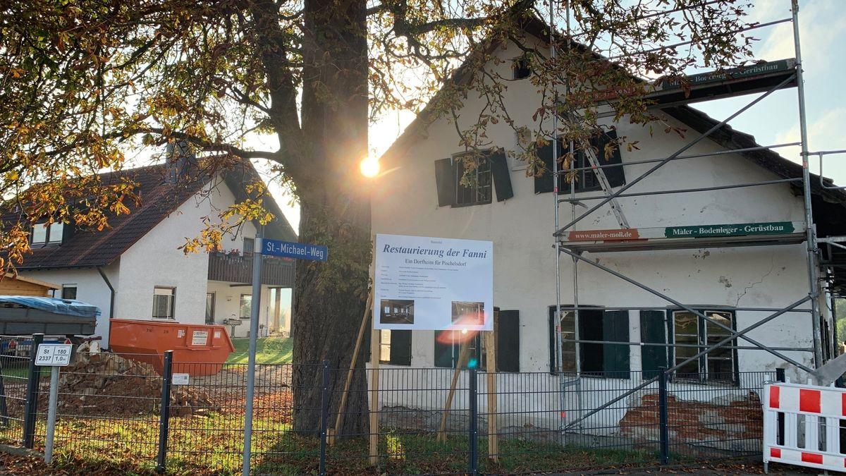 """Das Wirtshaus """"Fanni"""" in der Dorfmitte von Pischelsdorf."""