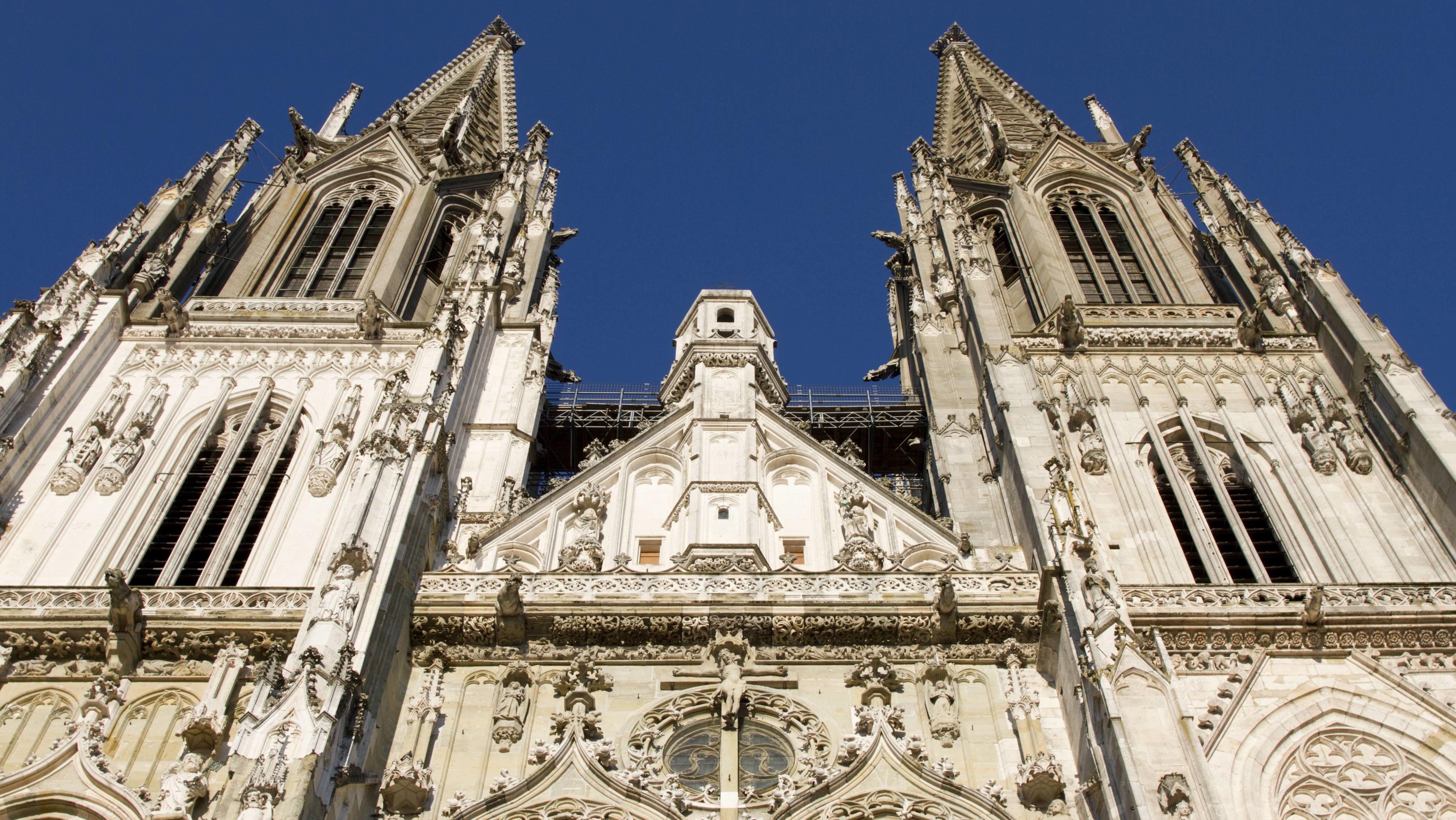Fassade und Türme des Regensburger Doms