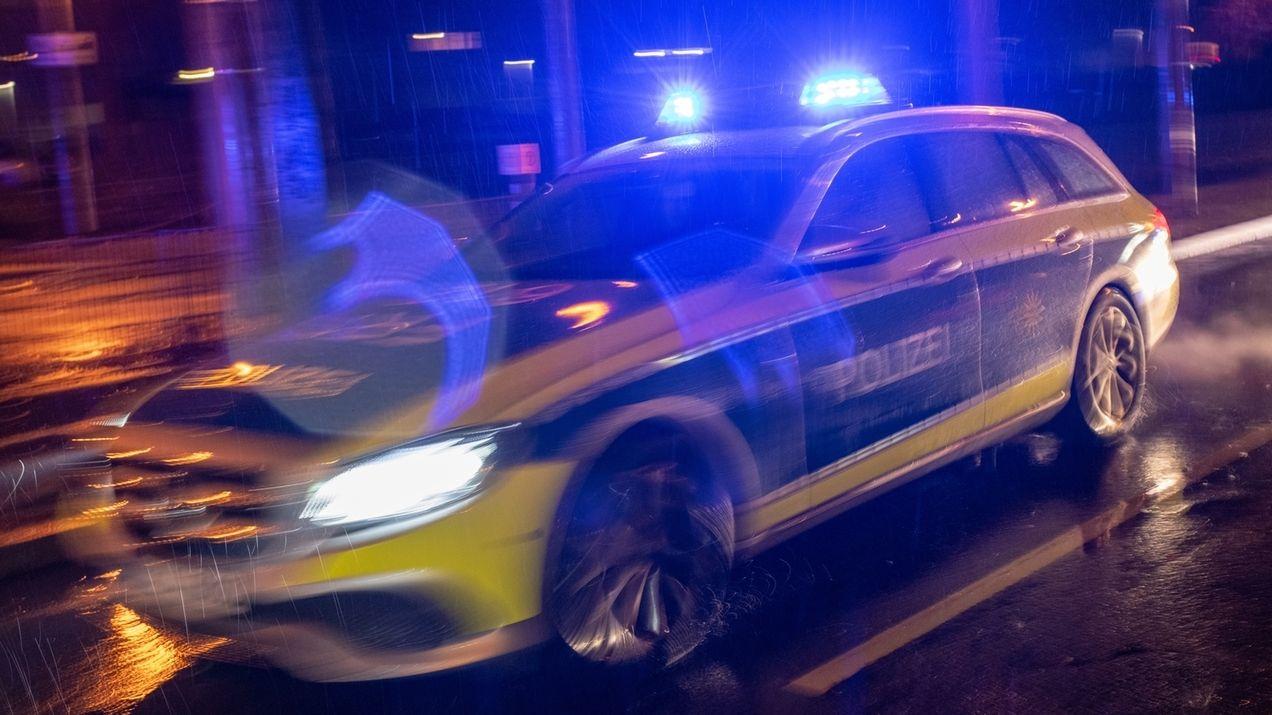 Polizeiauto im Einsatz.