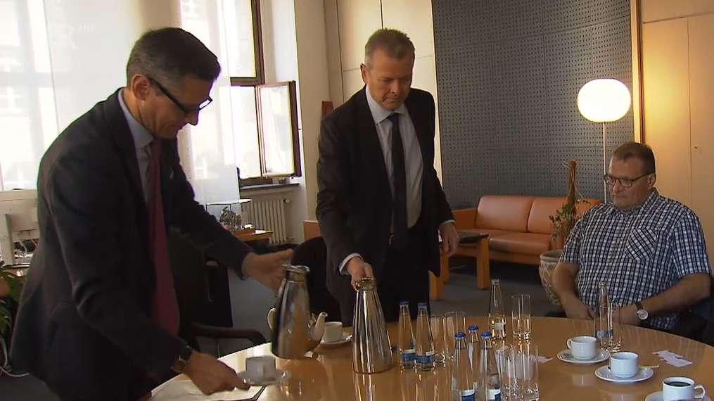 Betriebsräte von Prinovis, Oberbürgermeister Ulrich Maly und Wirtschaftsreferent Michael Fraas im Nürnberger Rathaus
