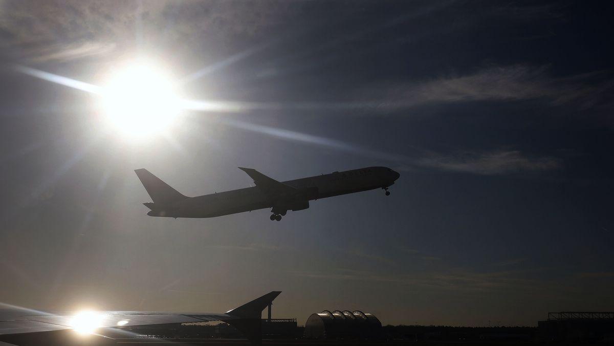 Corona: Immer weniger Flugzeuge bedeuten auch weniger Wetterdaten aus der Atmosphäre.
