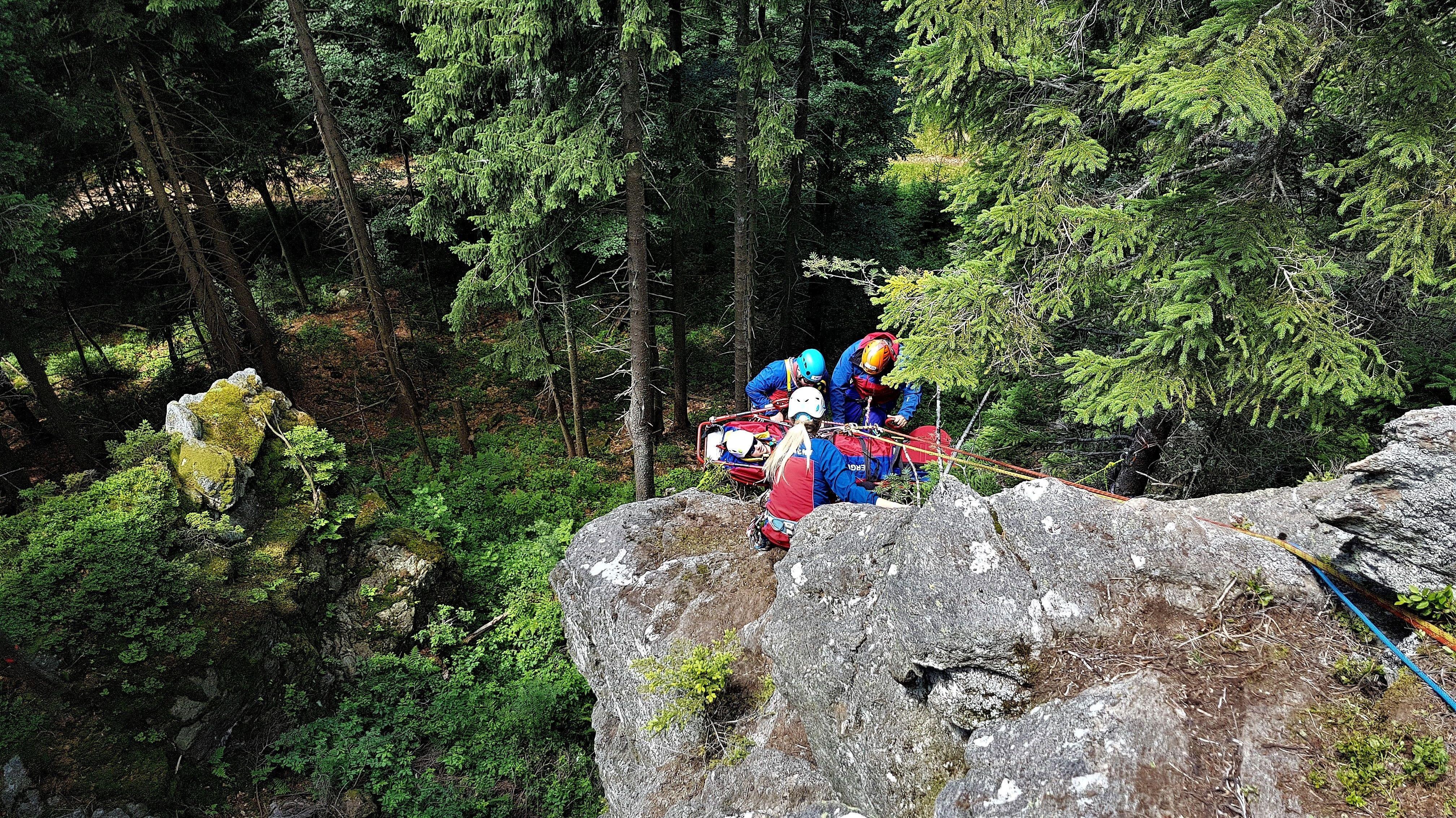 Von 891 Einsätzen 2018 entfallen 43 Prozent der Einsätze auf den Sommer: Wandern, Mountainbiken, Sucheinsätze, Forstunfälle.