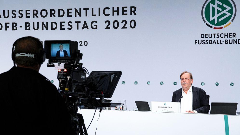 DFB-Vizepräsident Rainer Koch beim außerordentlichen Bundestag   Bild:picture-alliance/dpa