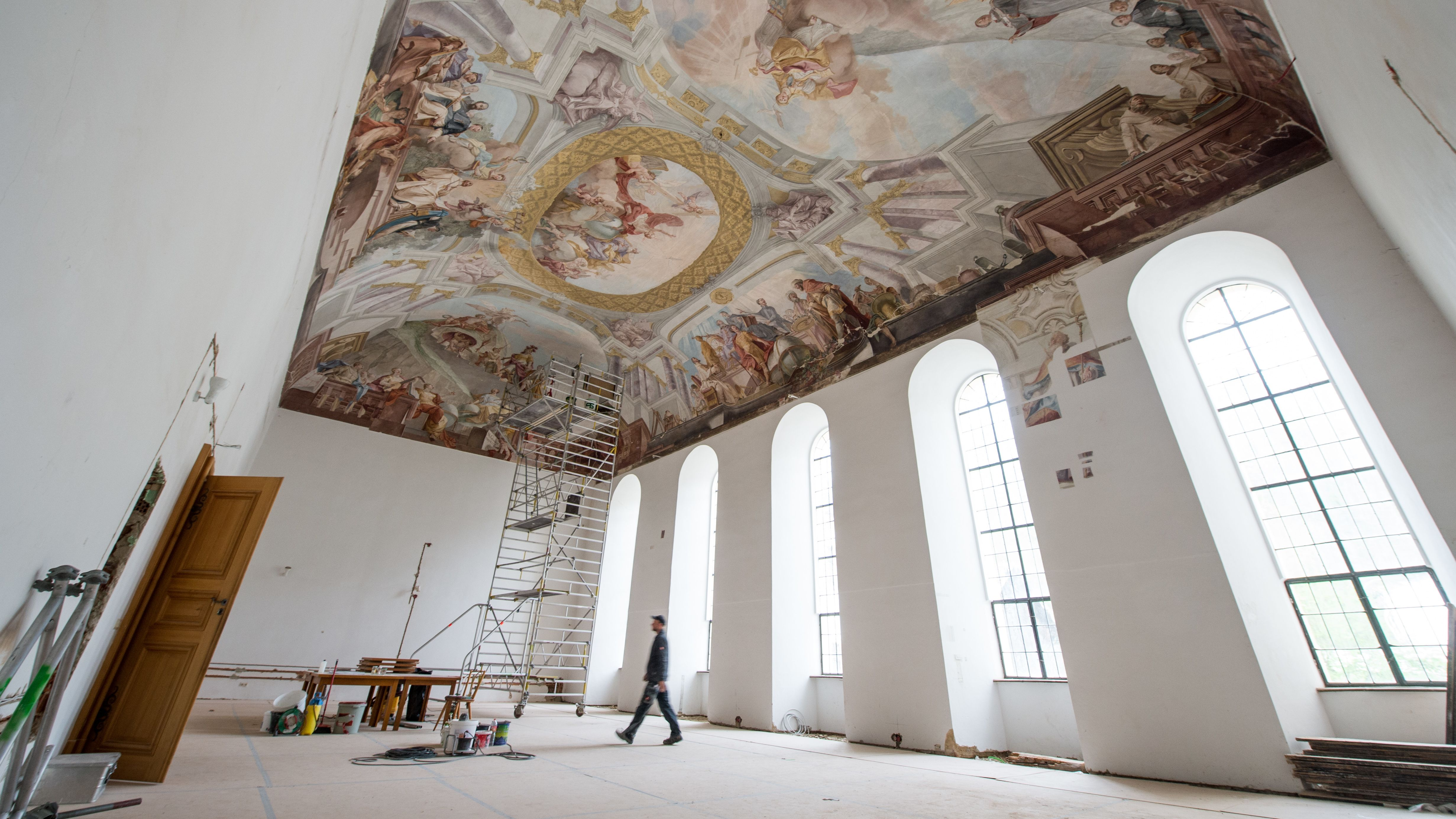 Die Bibliothek im Kloster Aldersbach