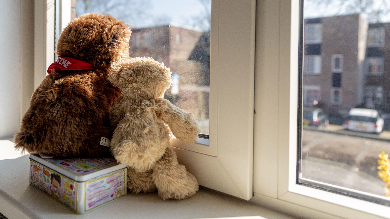 Wenn es wegen der Ausgangsbeschränkungen zu Spannungen kommt, sind Kinder oft die Leidtragenden.