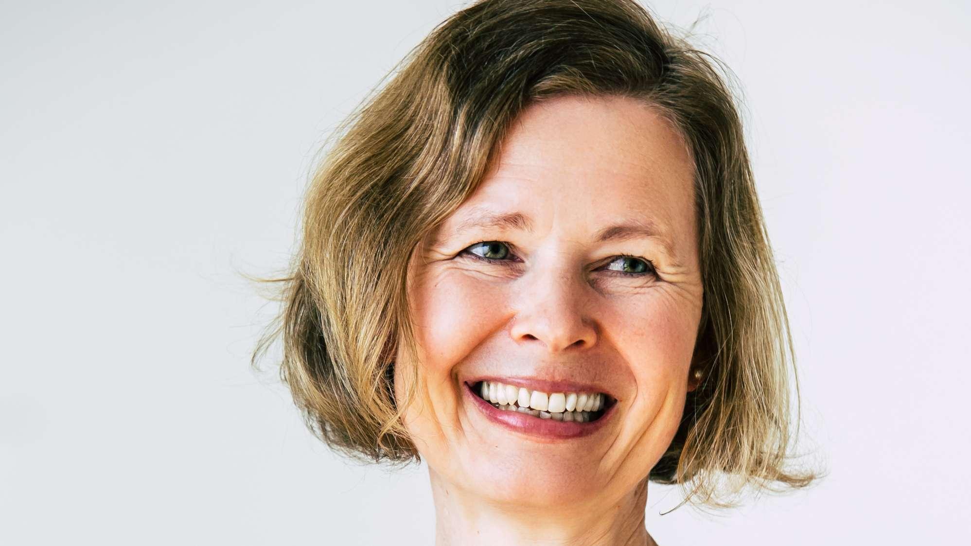 Portrait der Autorin und Lesekünstlerin Silke Schlichtmann