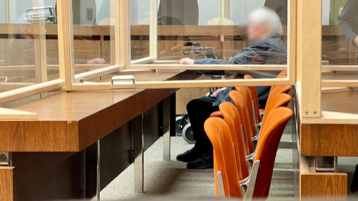Der schuldunfähige 88-Jährige auf der Anklagebank