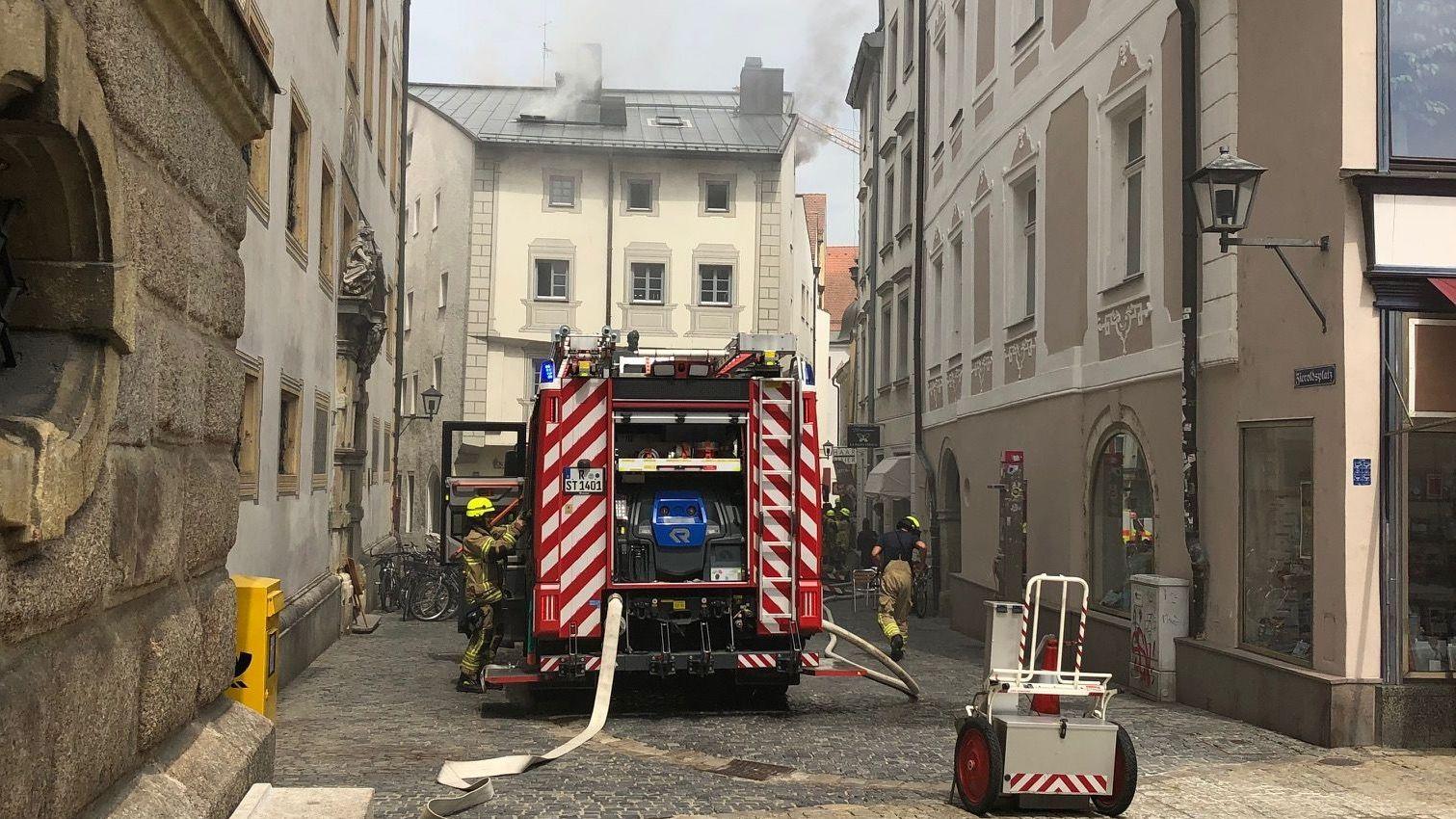 Die Regensburger Feuerwehr war schnell vor Ort.