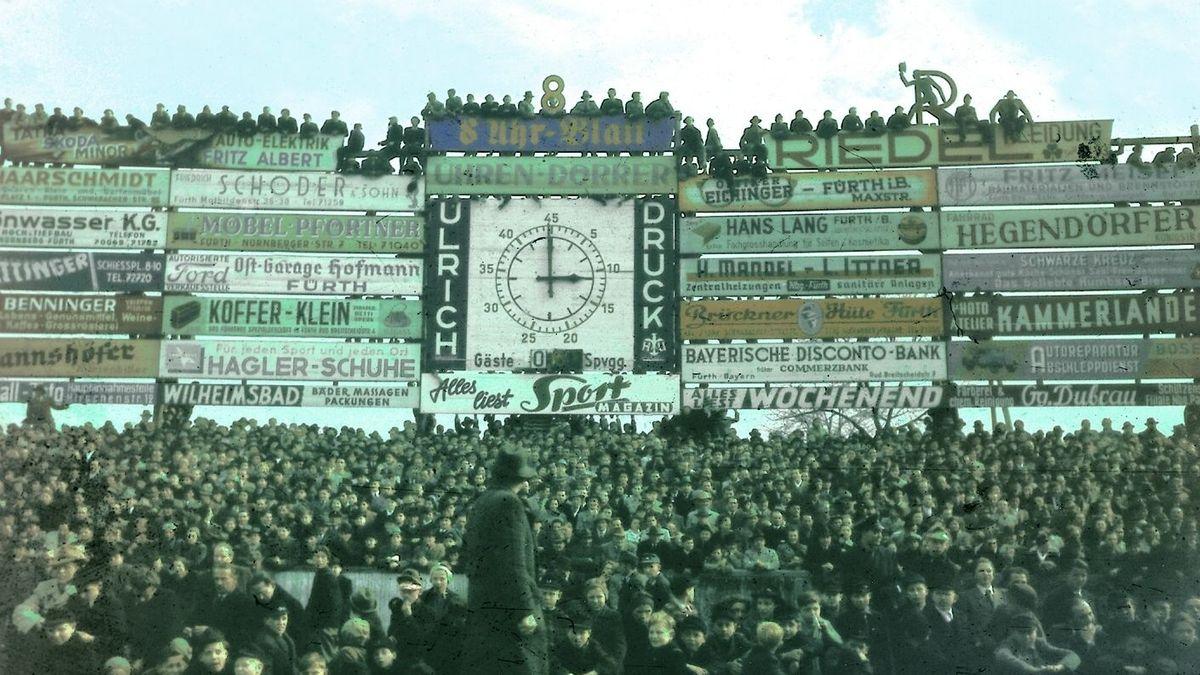 Anzeigetafel im Fürther Ronhof im Jahr 1950
