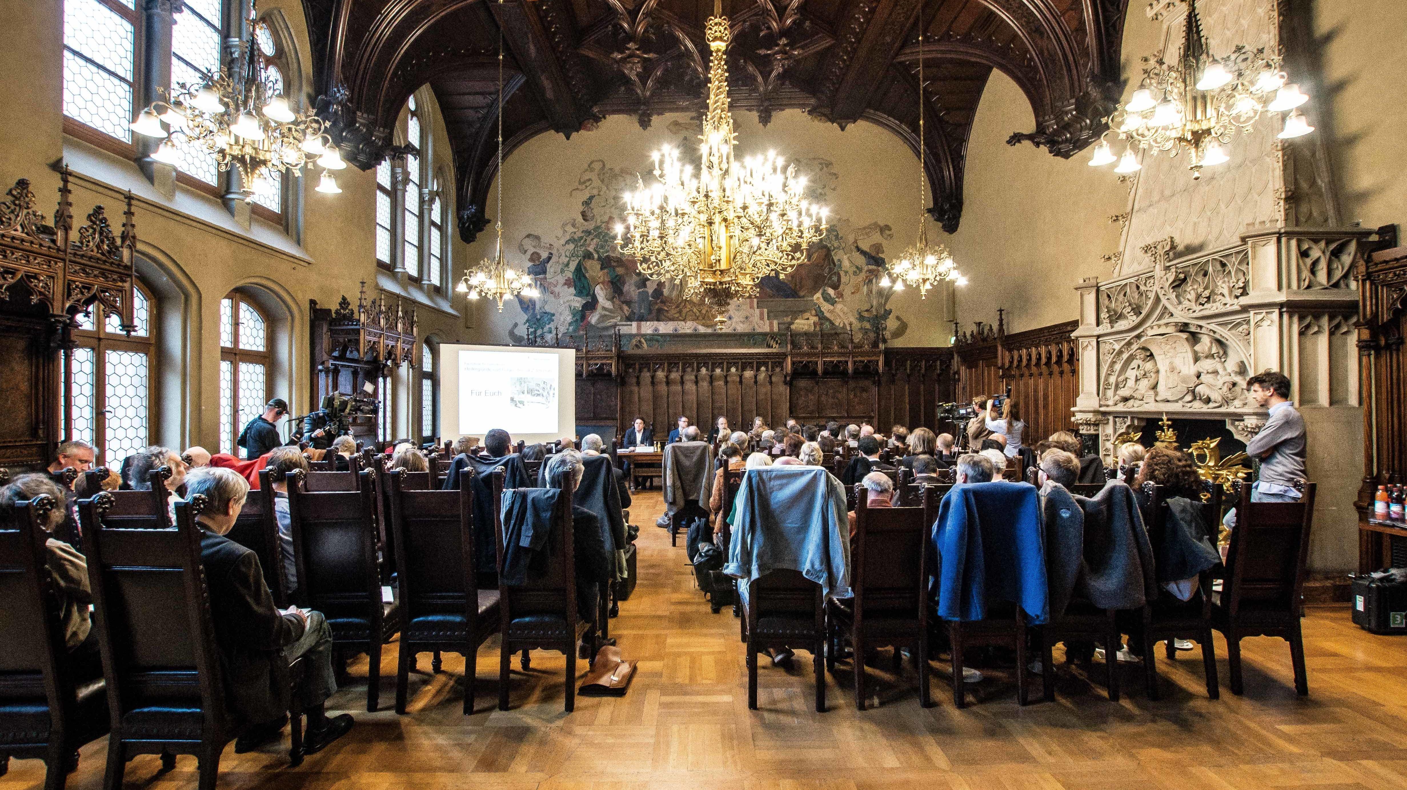 Versammlung der Fachstelle für Demokratie in München im Neuen Rathaus. (Archivbild)