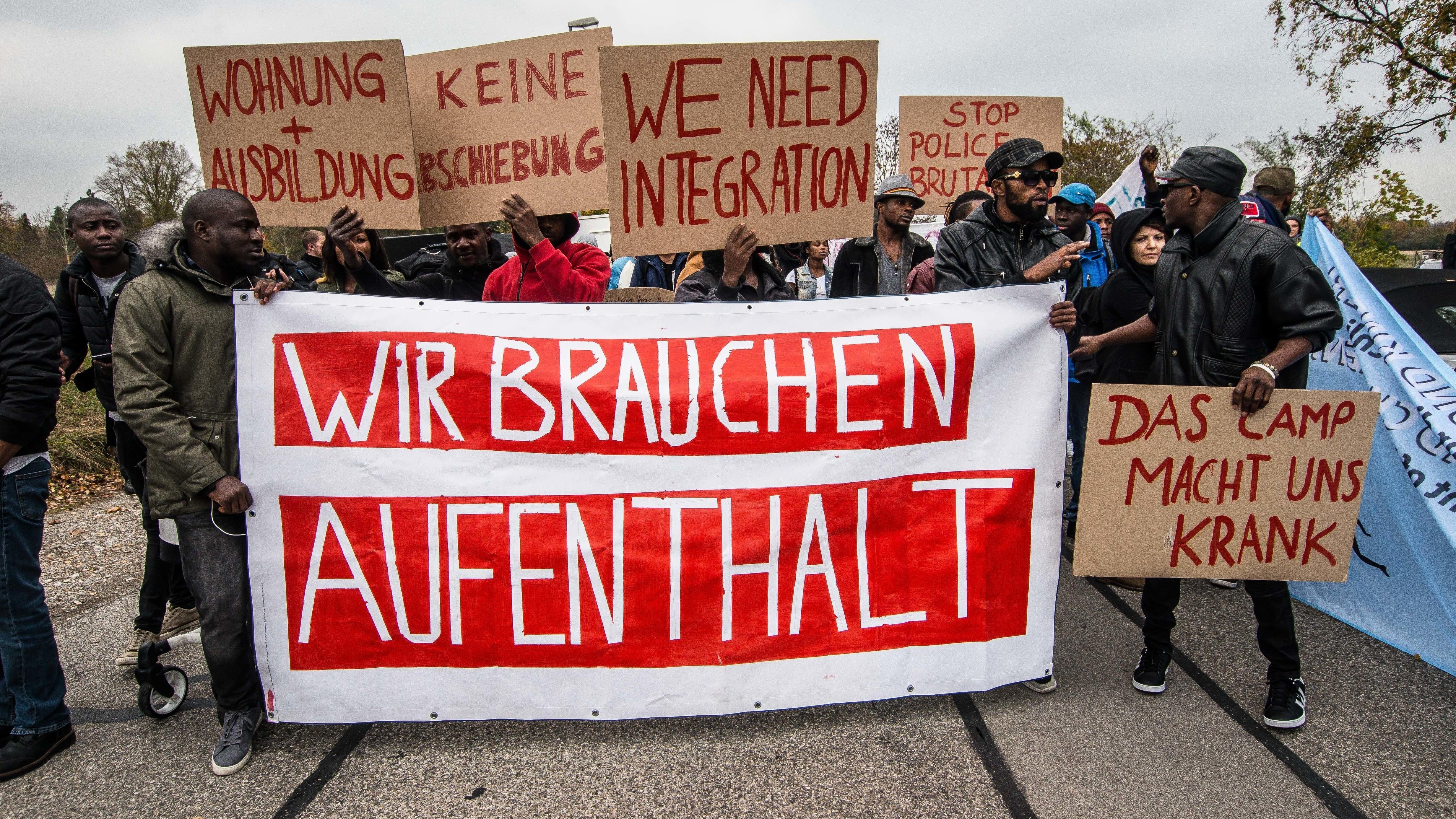 Migranten fordern in Fürstenfeldbruck eine Bleibeperspektive