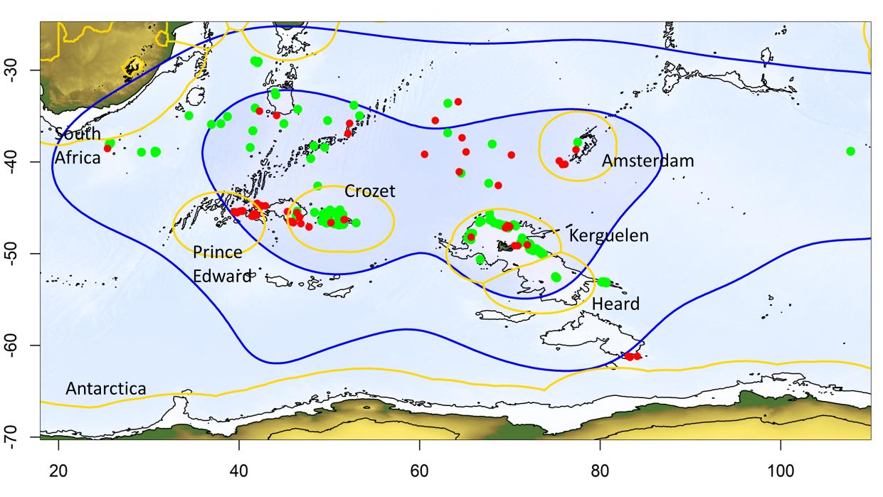 Ocean Sentinel Untersuchungsgebiet (blau) mit deklarierten Fischerbooten (grün) und unidentifizierten (rot).