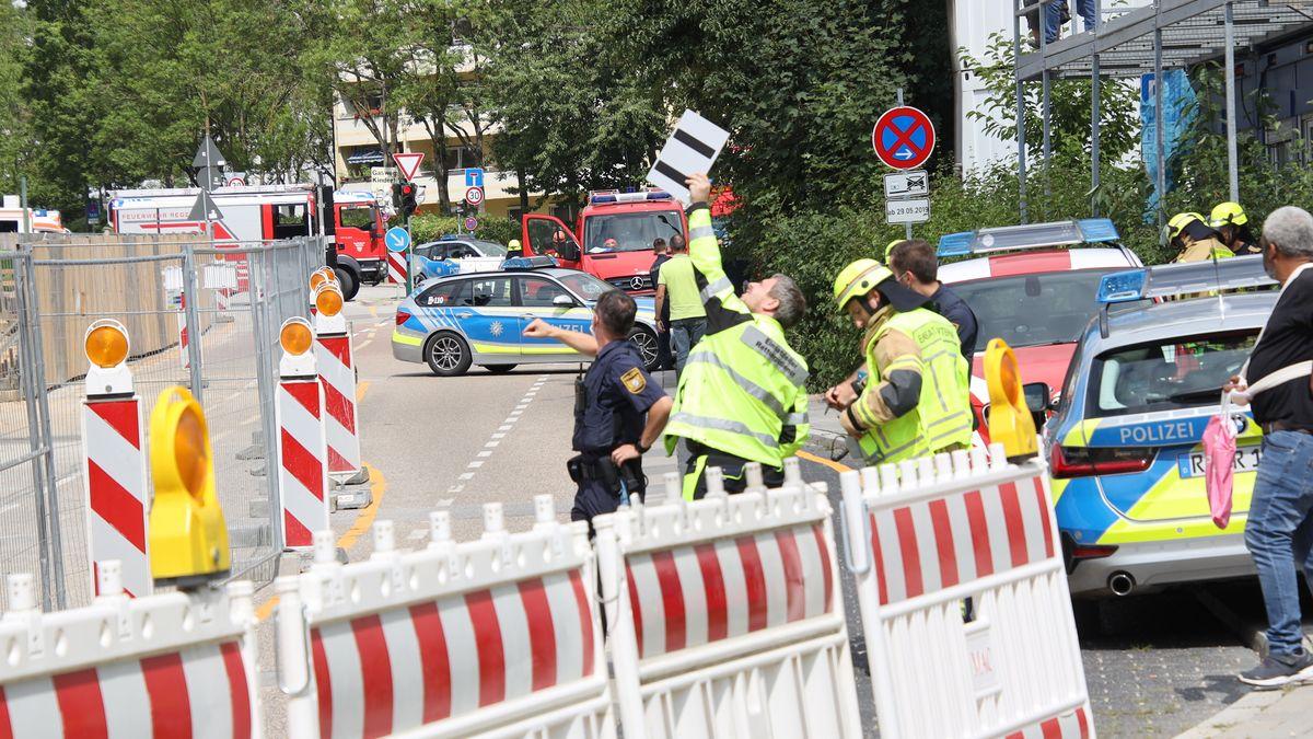 Polizei und Feuerwehr an Regensburger Baustelle