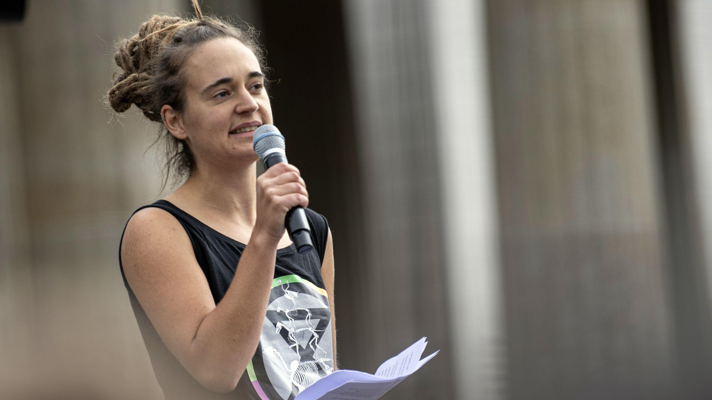 """""""Seawatch""""-Kapitänin Rackete beim globalen Klimaprotesttag in Berlin am 20.9.19 vor dem Brandenburger Tor"""