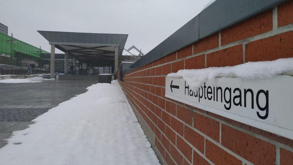 Blick auf den Eingangsbereich des Klinikum Bayreuth