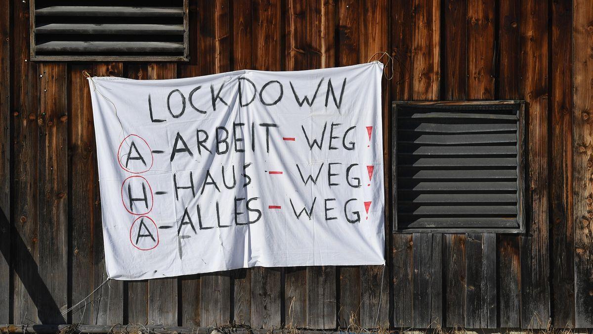 Kritiker warnen vor negativen Folgen des Lockdowns.