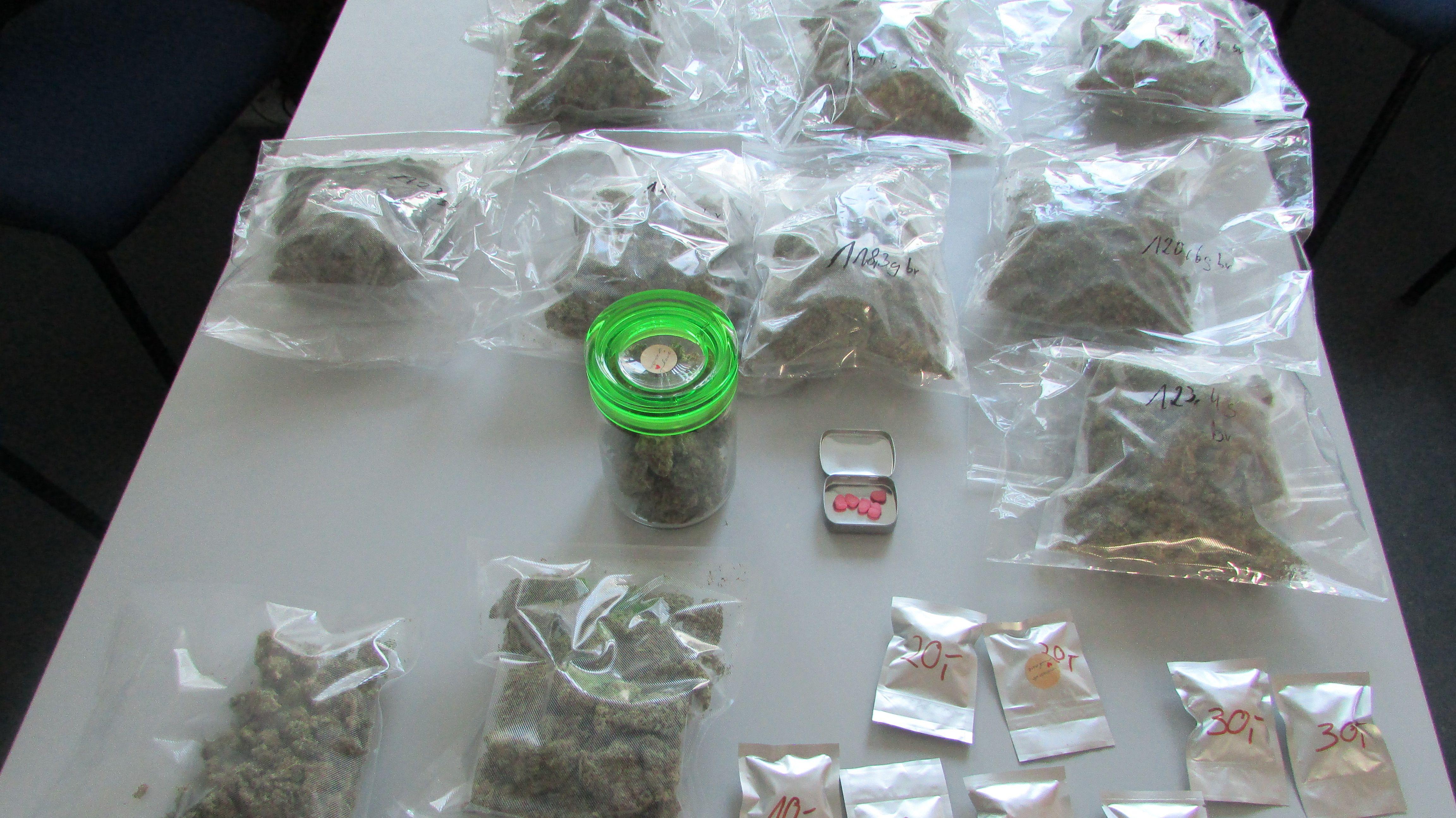 Abgepackte Drogenpäckchen - vermutlich für den Verkauf bestimmt