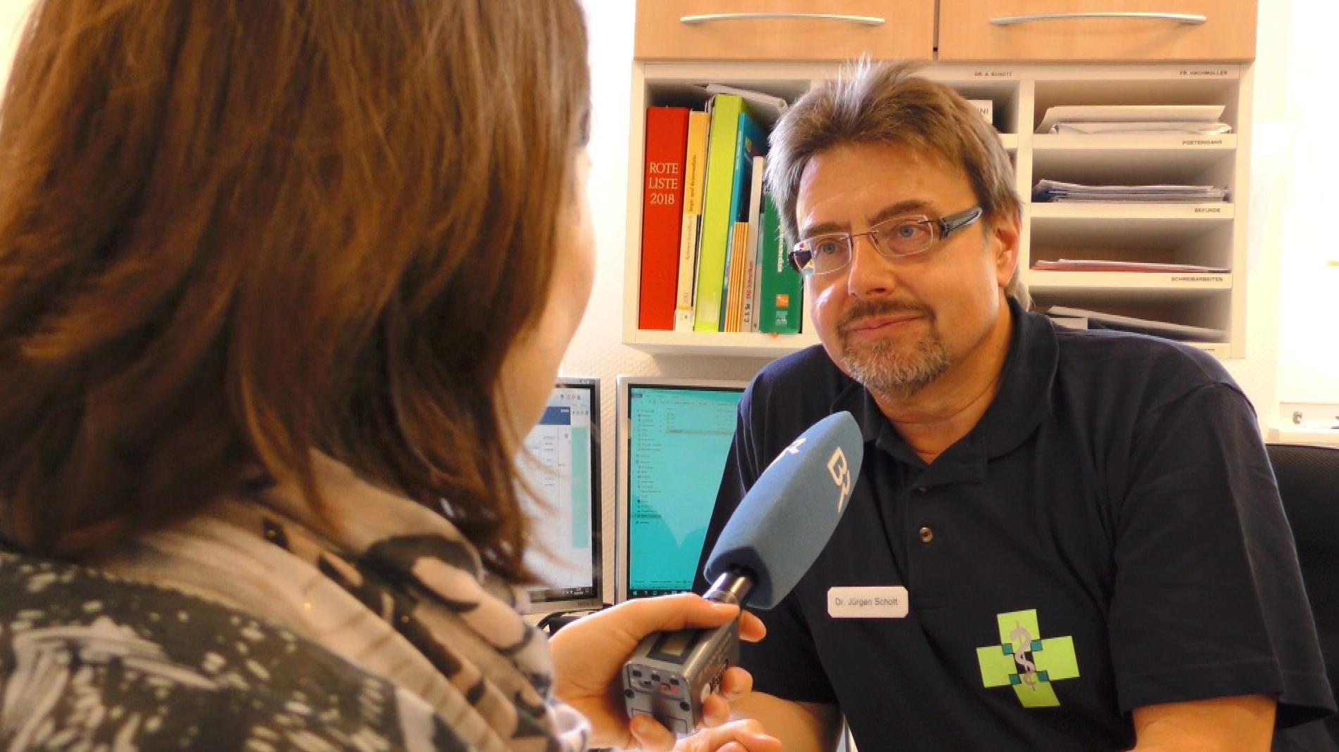 Dr. Jürgen Schott beim BR-Interview