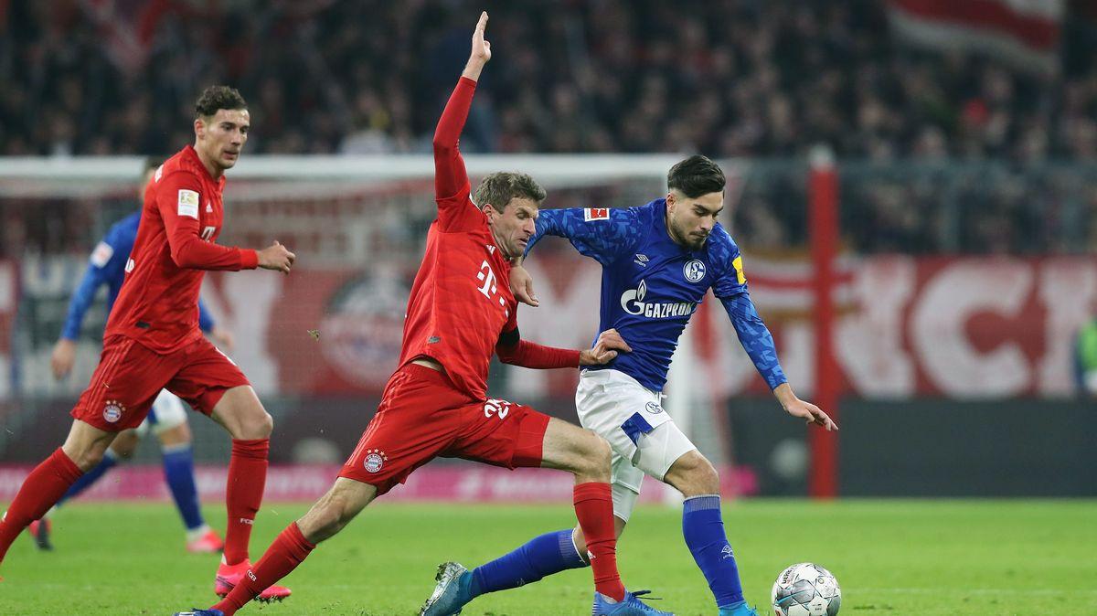 Szene aus einem Spiel Schalke gegen München