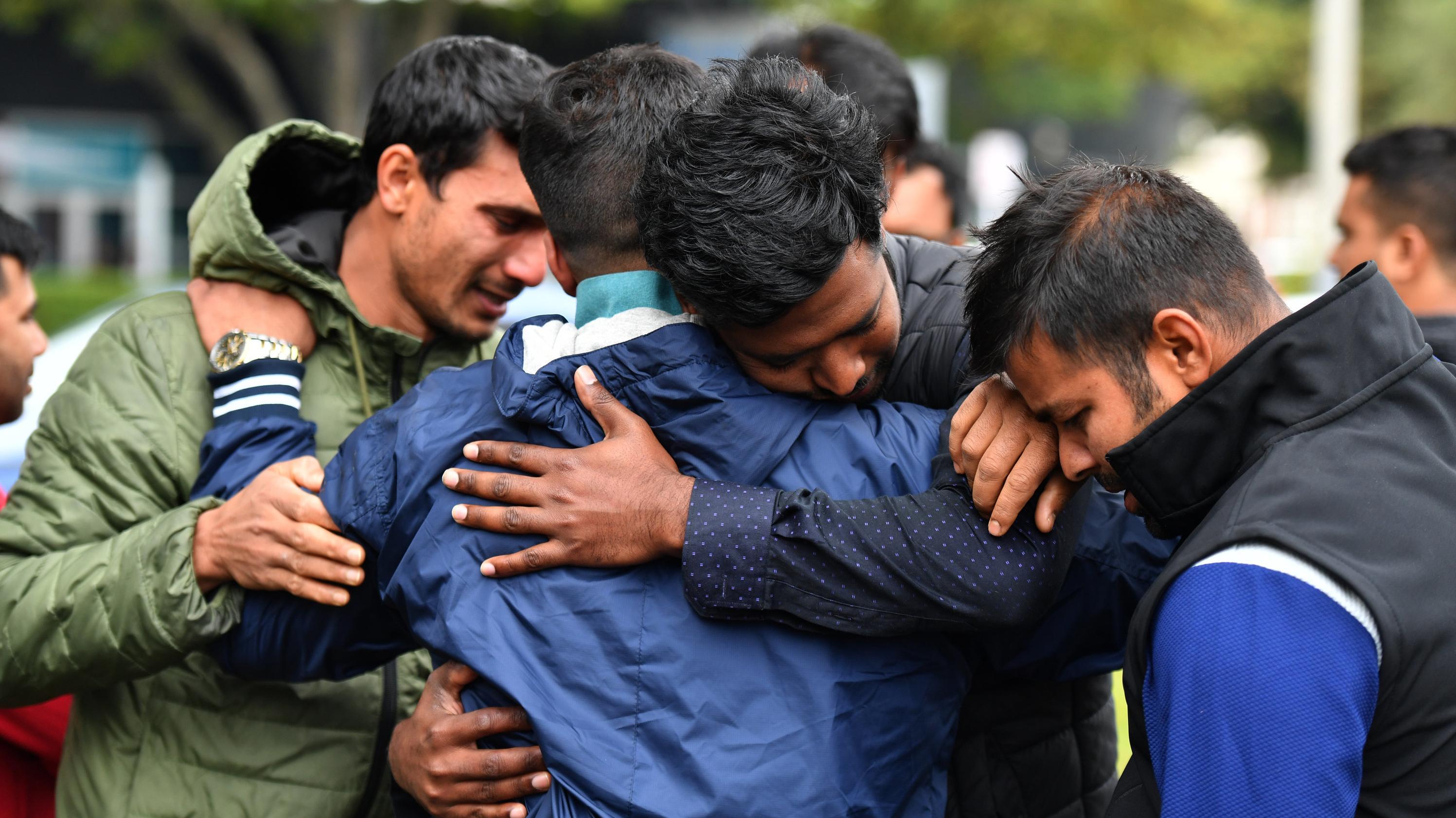 Viele der Opfer sind Flüchtlinge, die erst vor kurzem vor der Gewalt in Syrien und Afghanistan geflohen waren.