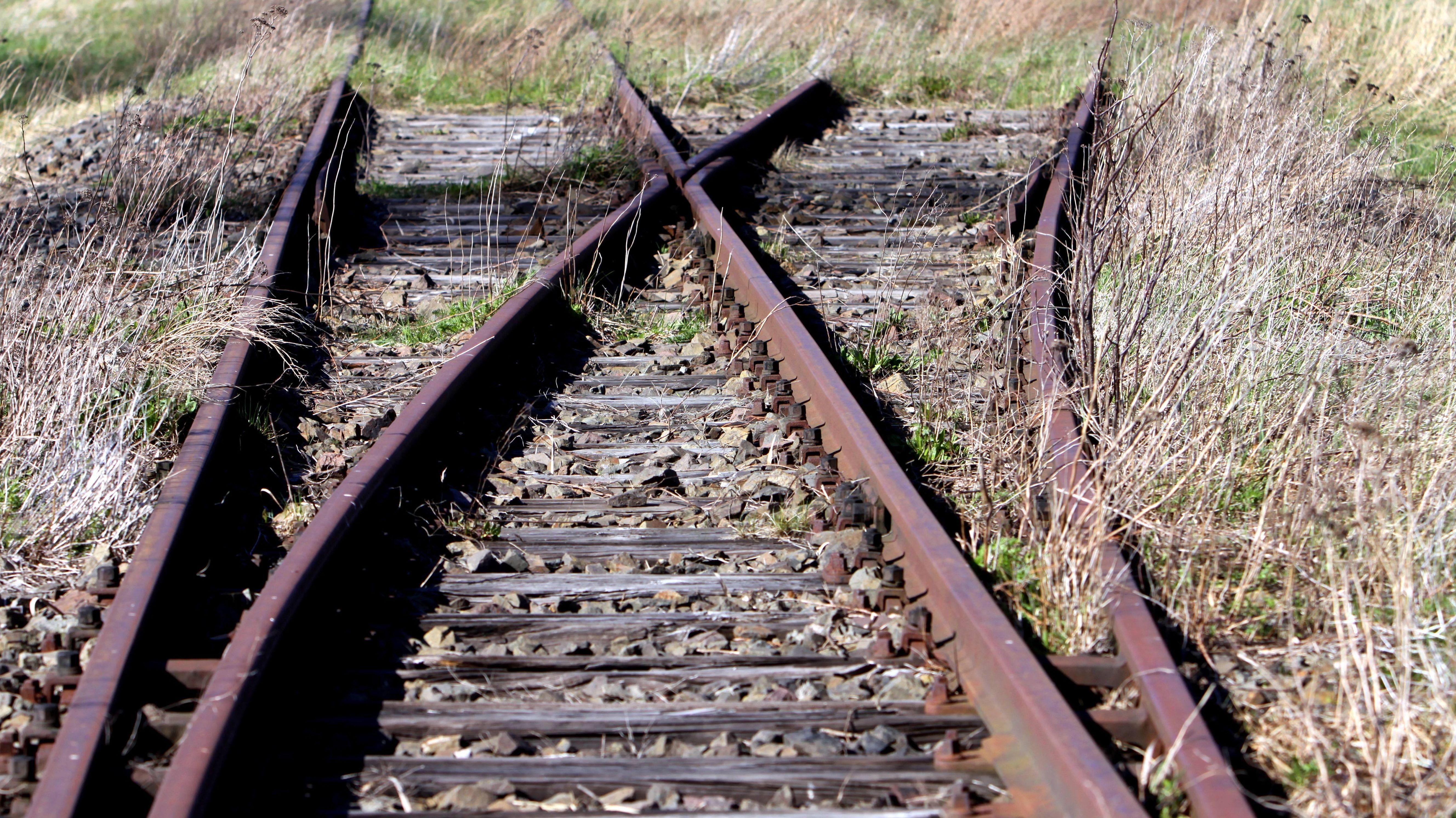 stillgelegte und eingerostete Gleise