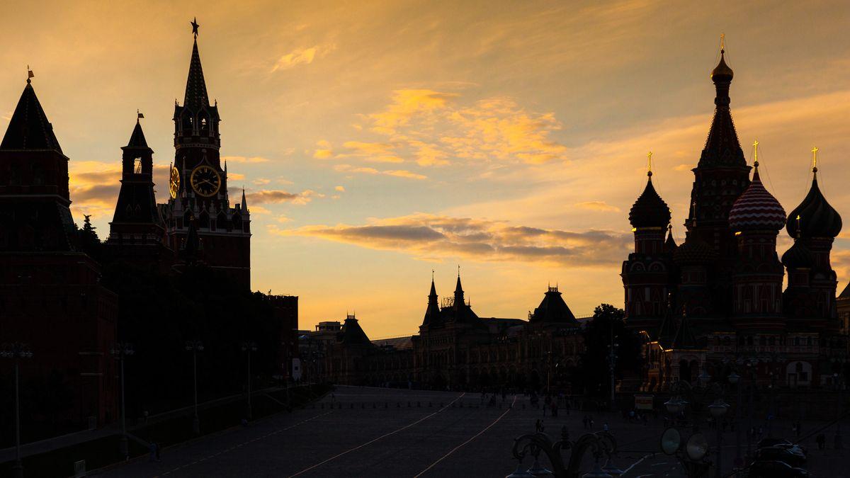 Kreml und Basilius-Kathedrale am Roten Platz in Moskau