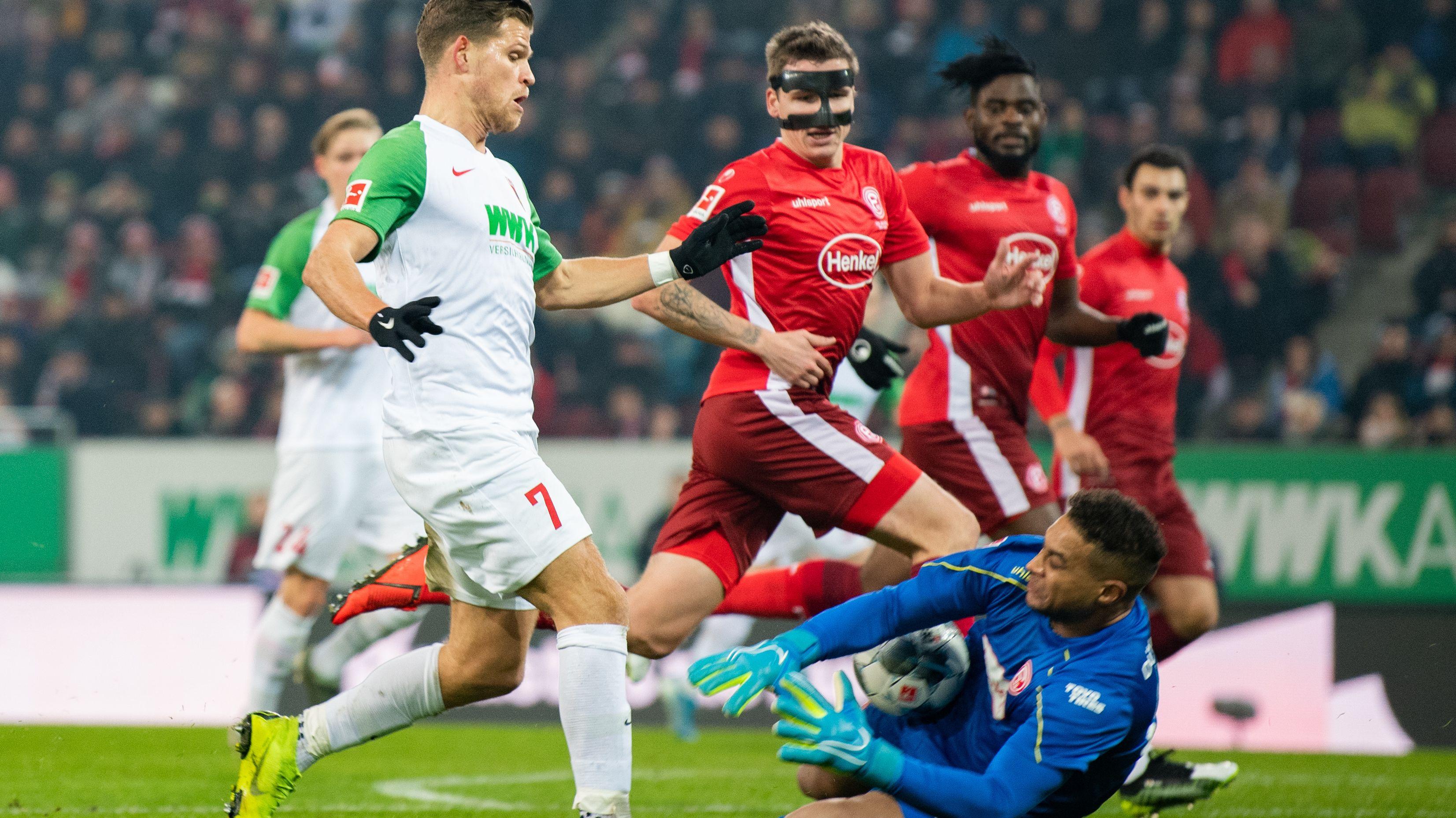 Florian Niederlechner und der FC Augsburg haben einen Lauf