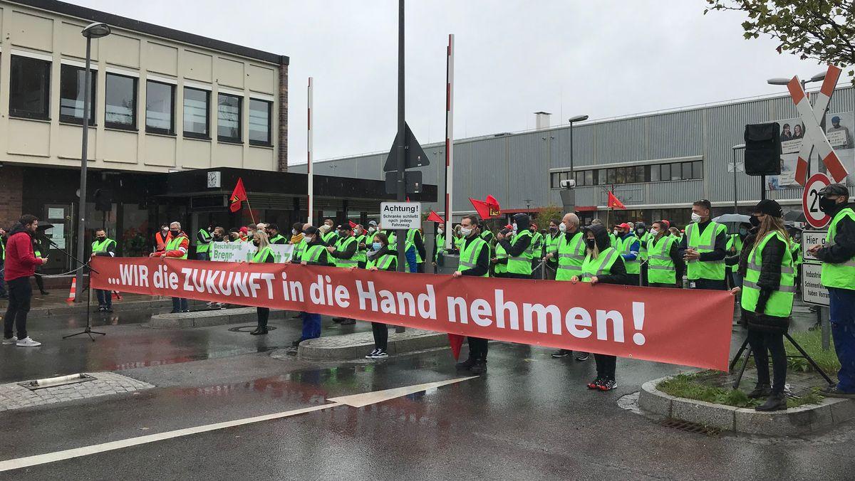 Mitarbeiter von Bosch demonstrieren in Bamberg.