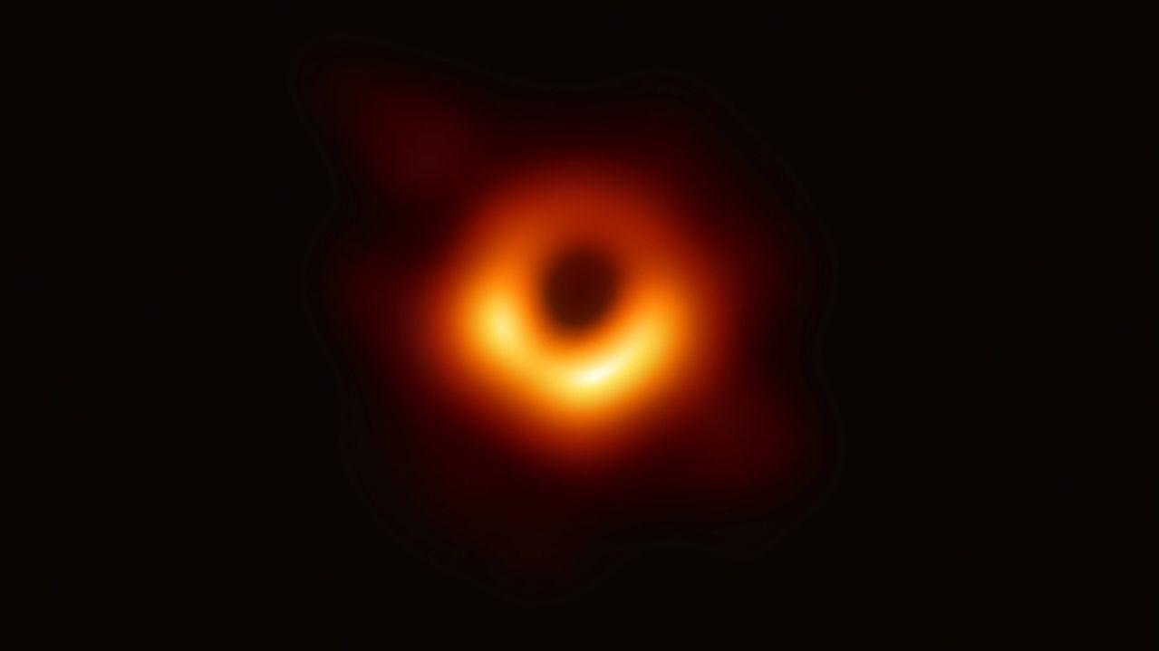Erste Aufnahme eines Schwarzen Lochs am 11. April 2019