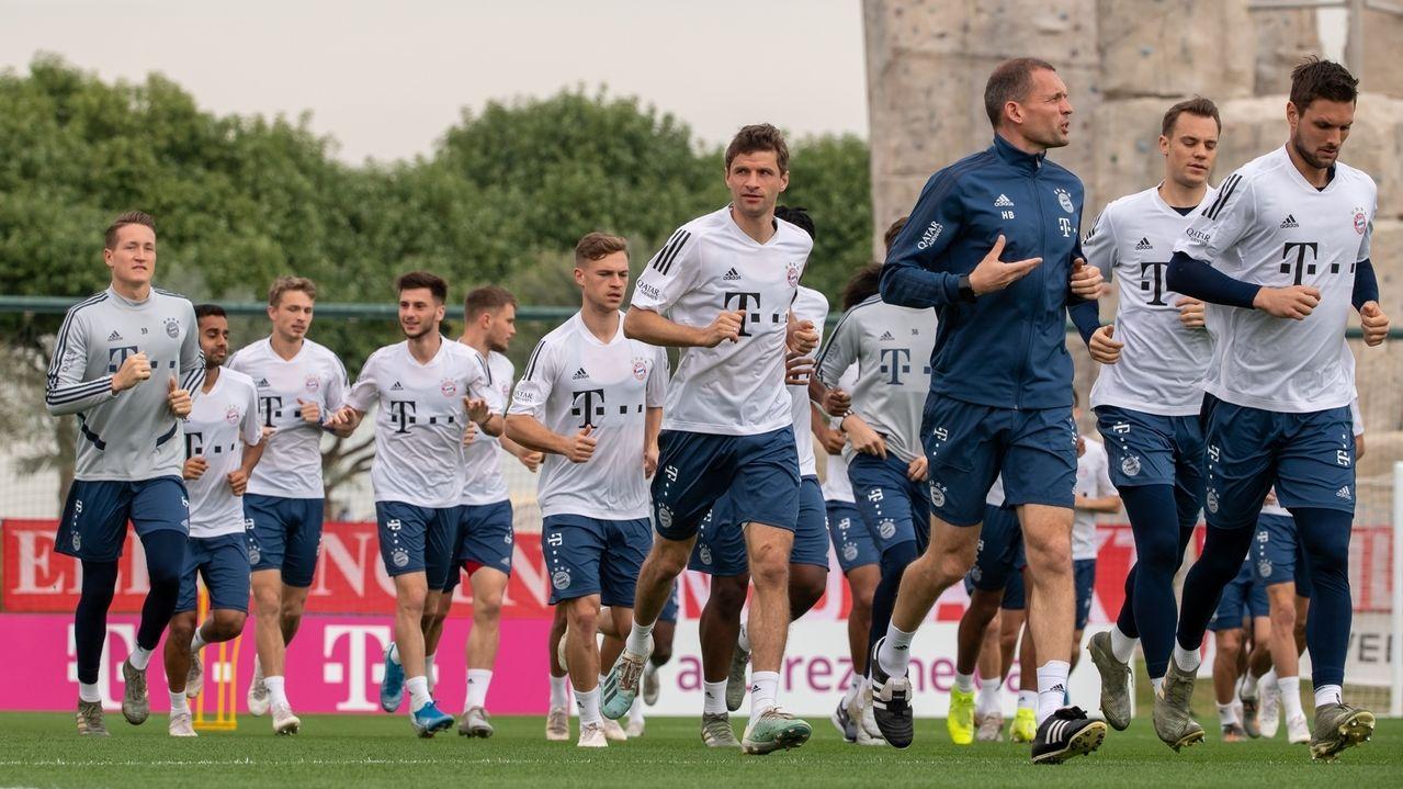 Laufeinheit beim FC Bayern-Trainingslager in Doha