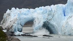 Abbrechendes Eis am Perito Moreno-Gletscher in Argentinien | Bild:picture alliance / AP Images