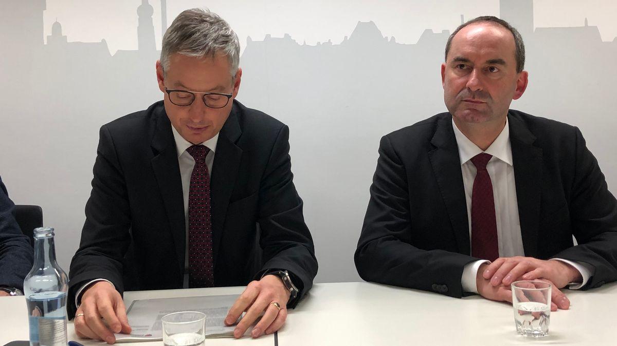 Straubings Oberbürgermeister Markus Pannermayr (CSU) und Wirtschaftsminister Hubert Aiwanger (Freie Wähler).