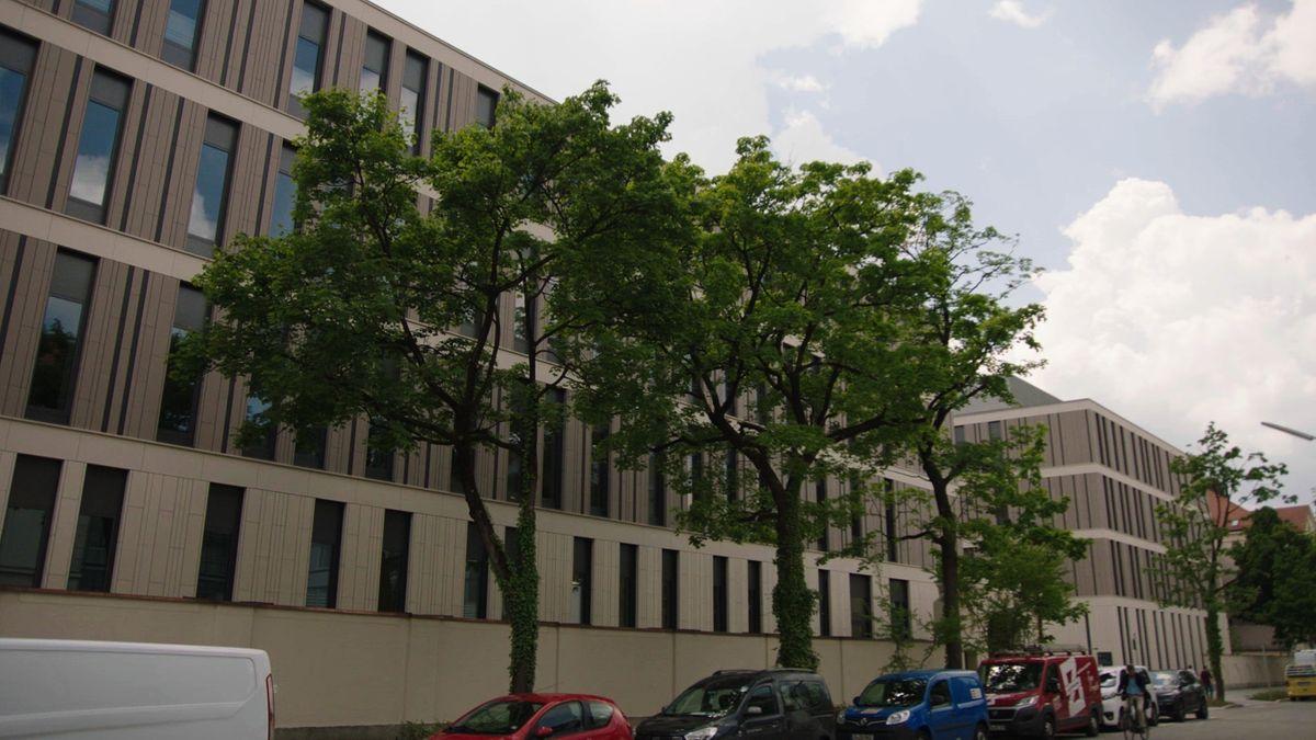 Außenansicht des neuen LMU-Klinikums in der Münchner Innenstadt.