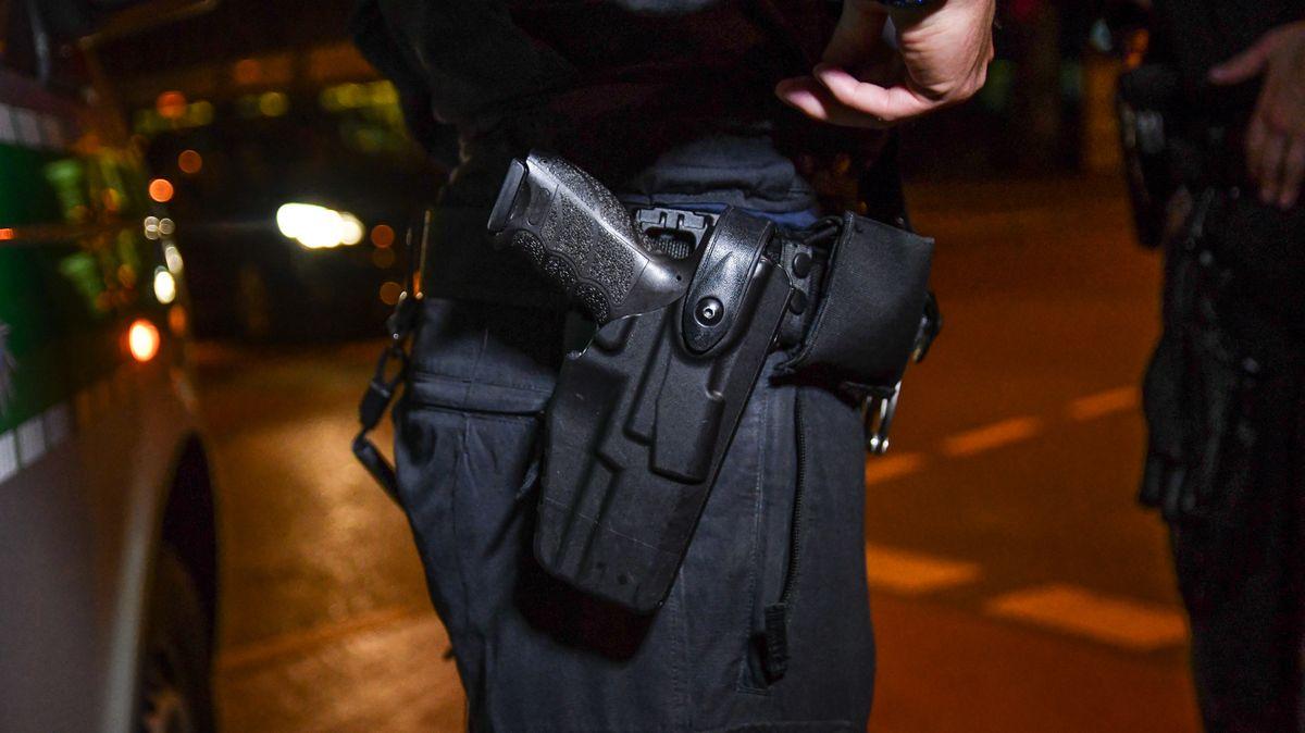 Sechs Schüsse fielen, als am Freitagabend die Situation bei einem vermeintlichen Ladendiebstahl in Augsburg eskalierte.