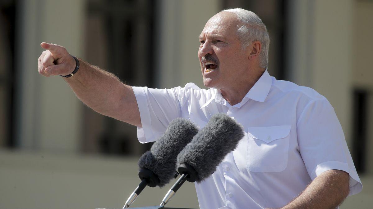 """Alexander Lukaschenko gilt als """"letzter Diktator Europas"""". Aktuell ranken sich mehrere Verschwörungserzählungen um ihn. Angeblich haben ihm WHO & IWF Geld angeboten, um einen Lockdown durchzusetzen. Das ist unwahr."""