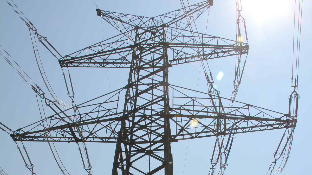Strommast einer Hochspannungsleitung