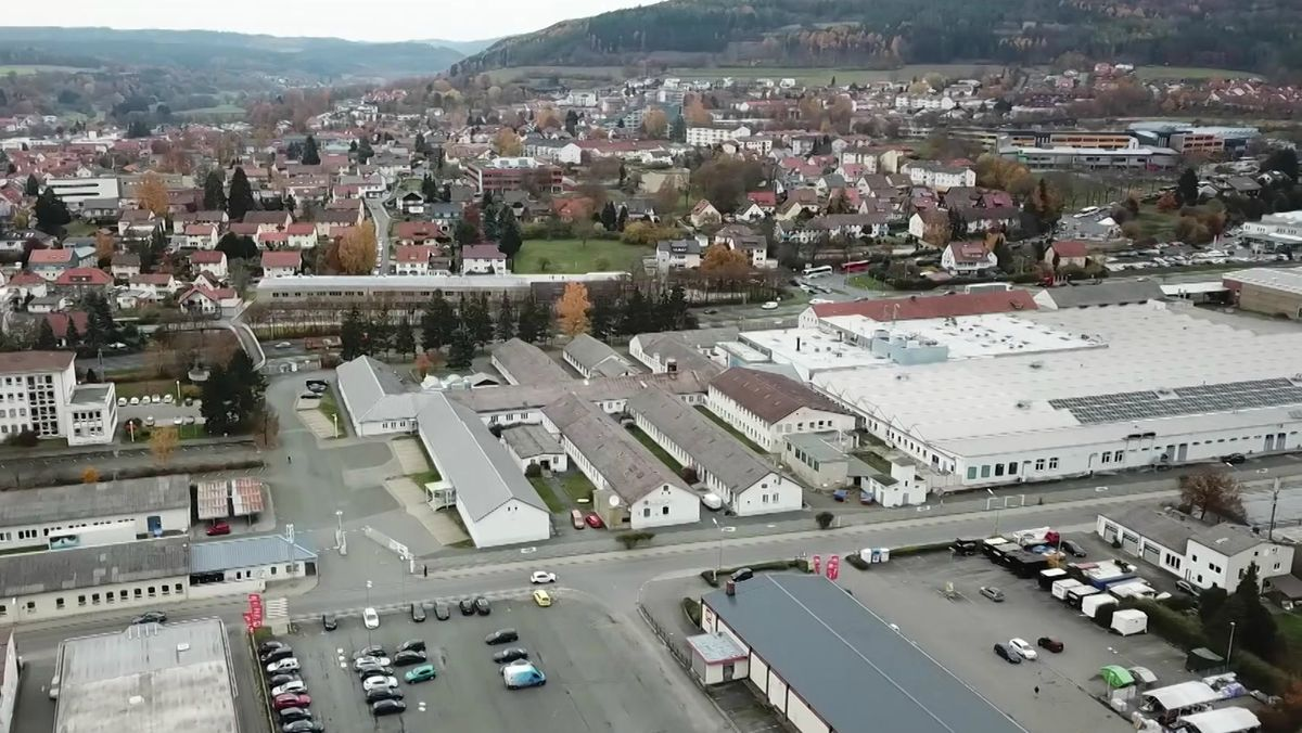 Der Stammsitz des TV- und Audio-Hersteller Loewe in Kronach von oben