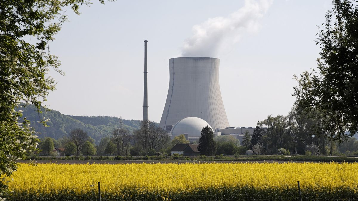 Kernkraftwerk Isar bei Essenbach im Landkreis Landshut